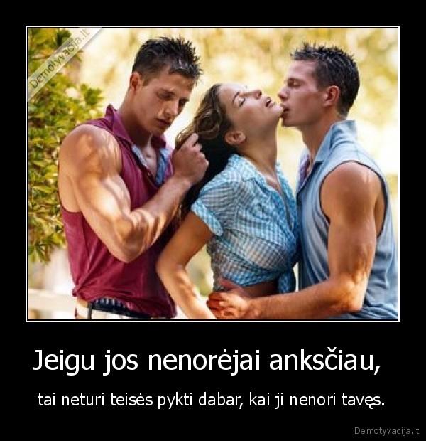seks-devushki-s-dvumya-muzhikami-foto